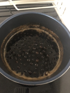 黒糖で煮込んだタピオカ