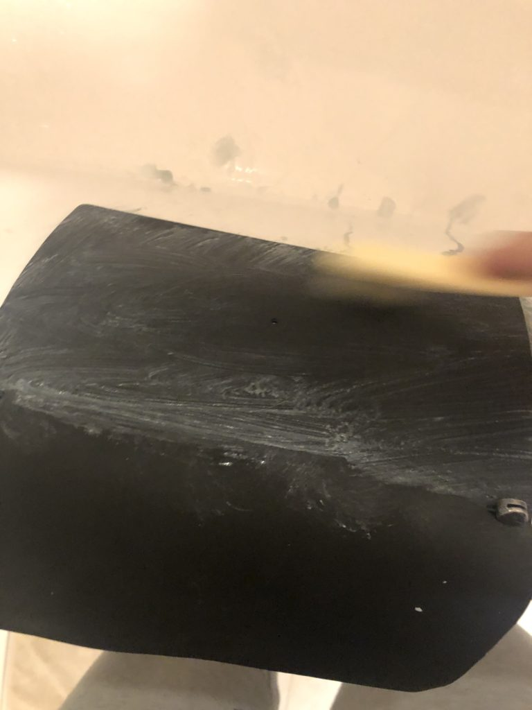 サドルソープでドラべラーズノートを洗う。2