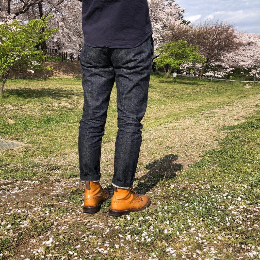 ヌッテで作ったジーンズ履いたところ 後ろ