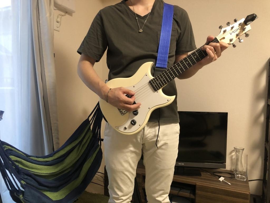 VOXミニギターSDC-1 mini 立って演奏 理想